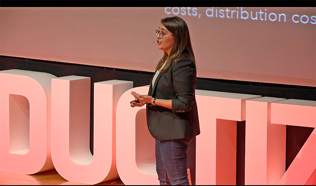 Batt discusses her experience moving from physical product development to digital product development during a Productized conference in Lisbon in 2017. (Photo courtesy of Emily Batt)