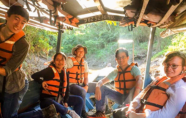 SEAS and UTEC students explore the remote region of Madre del Dios by boat, traveling down the Amazon River.