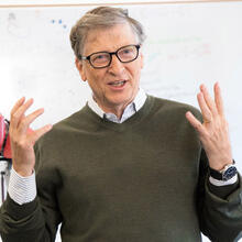 """The work here is taking robotics in many dimensions and in different realms,"" said Gates, who toured Harvard's Microrobotics Lab and the Biodesign Lab. (Photo by Eliza Grinnell/SEAS Communications)"