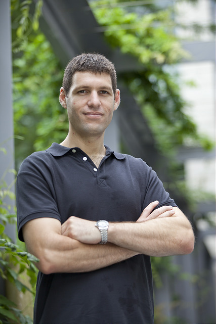 Yaron Singer, Assistant Professor of Computer Science at SEAS, designed a new type of algorithm. (Photo courtesy of Eliza Grinnell/Harvard SEAS)